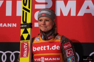 PŚ Pań Oberstdorf: Maren Lundby minimalnie przed Kathariną Althaus!