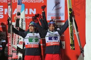 Stefan Hula i Kamil Stoch Oberstdorf 2018 fot. Julia Piątkowska 300x200 - MŚwL Oberstdorf: Norwegowie mistrzami świata, Polacy z brązowym medalem!