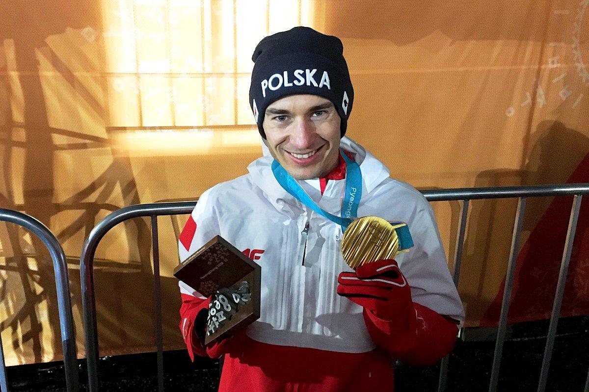 Kamil Stoch z olimpijskim złotem w Pjongczang (fot. SkokiPolska.pl)
