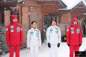 Japonki - triumfatorki pierwszej żeńskiej drużynówki (od lewej: Y.Seto, S.Takanashi, Y.Ito, K.Iwabuchi), fot. Frederik Clasen
