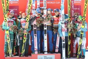 Konkurs drużynowy podium Norwegia Niemcy Słowenia Planica 2018 fot. Julia Piątkowska 300x200 - PŚ Planica: Norwegowie najlepsi w ostatnim konkursie drużynowym sezonu. Polacy poza podium