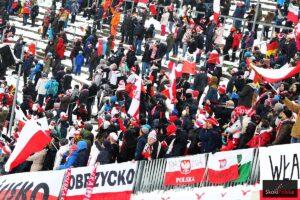 Polscy kibice na Holmenkollbakken w Oslo (fot. Julia Piątkowska)