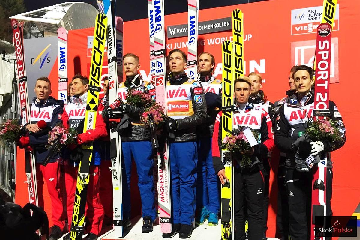 Podium drużynowego konkursu w Oslo (od lewej: Polacy, Norwegowie, Austriacy), fot. Julia Piątkowska
