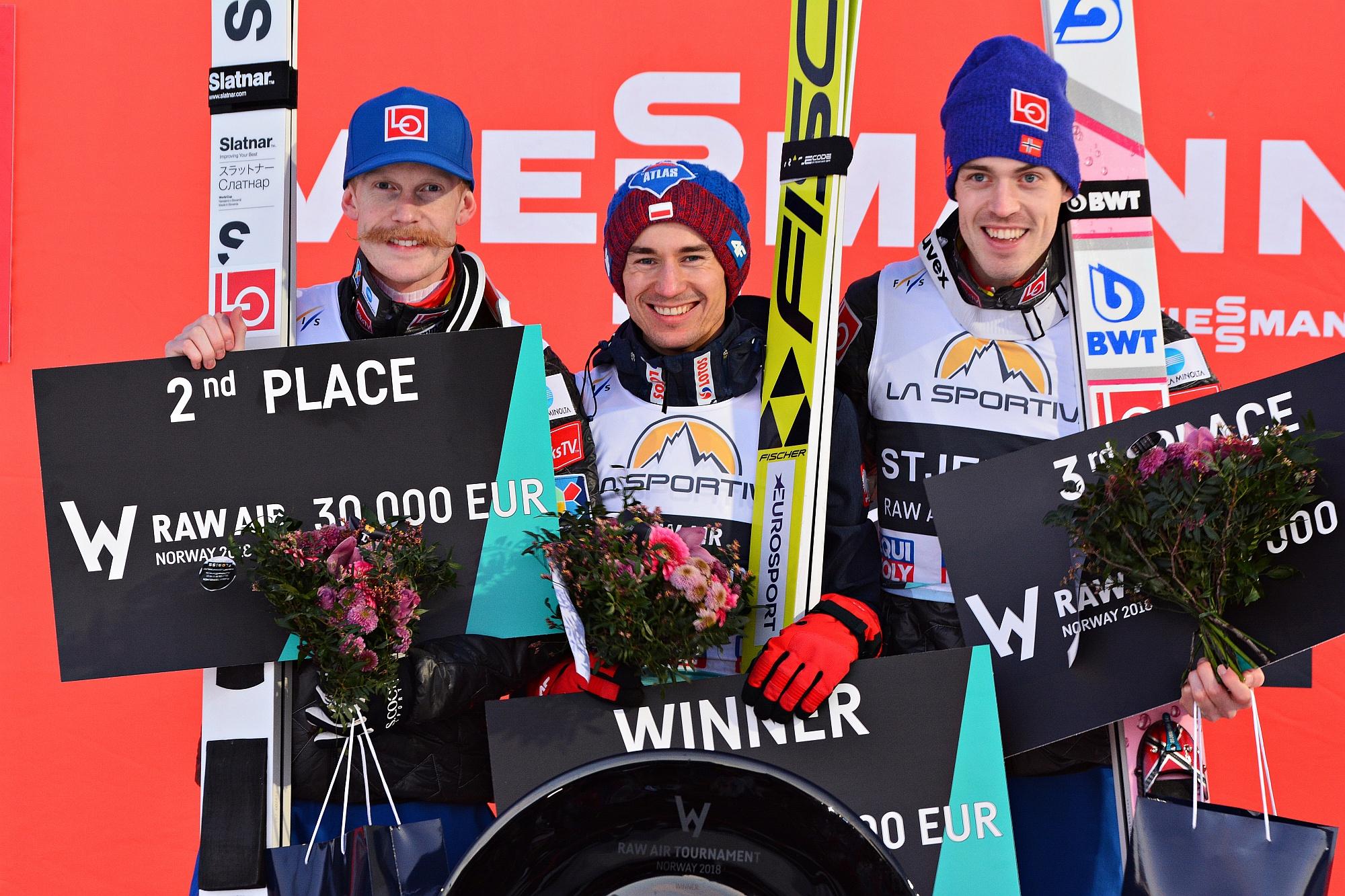 Podium Raw Air 2018 (od lewej: Johansson, Stoch, Tande), fot. Przemek Wardęga