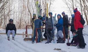 Zawodnicy w oczekiwaniu na skok w Strachocinie, fot. Lucjan Śmietana