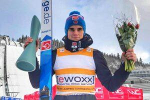 Marius Lindvik Lillehammer2018 fot.Martyna.Mital  300x200 - PK Lillehammer: Drugi triumf Lindvika, Zniszczoł tuż za podium!