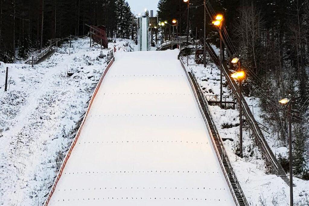 FIS Cup mężczyzn i PK Pań w Notodden – 31 skoczkiń i 66 skoczków na starcie