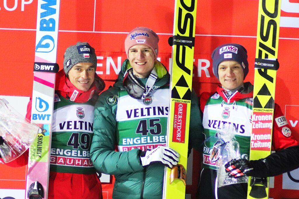 Podium pierwszego konkursu z 2018 r. (od lewej: Żyła, Geiger, Huber), fot. Maria Grzywa