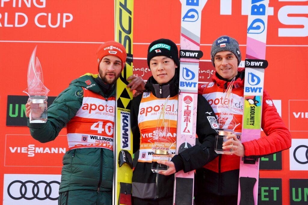 Podium konkursu (od lewej: M.Eisenbichler, R.Kobayashi, P.Żyła), fot. Przemek Wardęga