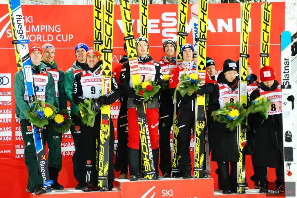 Podium w Lahti (od lewej: Niemcy, Austriacy, Japończycy), fot. Anna Trybuś