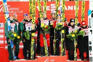 Podium drużynówki w Lahti w 2019 r. (od lewej: Niemcy, Austriacy, Japończycy), fot. Anna Trybuś