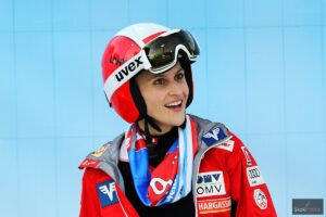 """Eva Pinkelnig i Juliane Seyfarth komentują piątkowe skoki w Lillehammer. """"Było wietrznie"""""""