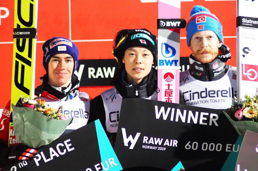 Podium turnieju Raw Air 2019 (od lewej: S.Kraft, R.Kobayashi, R.Johansson), fot. Maria Grzywa