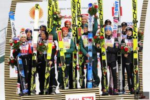 Podium konkursu (od lewej: Austriacy, Niemcy, Norwegowie), fot. Julia Piątkowska