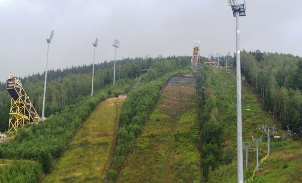 Konferencja w Harrachovie dotycząca starań o odbudowę skoczni narciarskich
