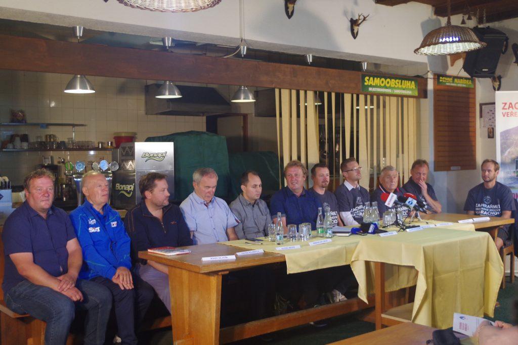 Media1 1024x683 - Konferencja w Harrachovie dotycząca starań o odbudowę skoczni narciarskich
