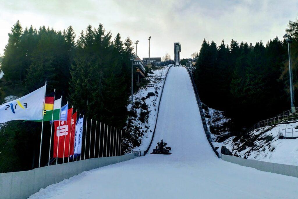 FIS Cup Oberwiesenthal: 86 skoczków na starcie, Polacy wśród mocnej obsady [LIVE]