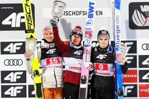 Podium konkursu, od lewej: Geiger, Kubacki, Lindvik (fot. Julia Piątkowska)