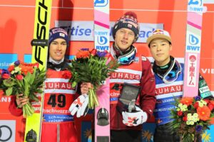 PŚ Titisee-Neustadt: Dawid Kubacki wygrywa, siódme podium Polaka z rzędu! [WYNIKI]