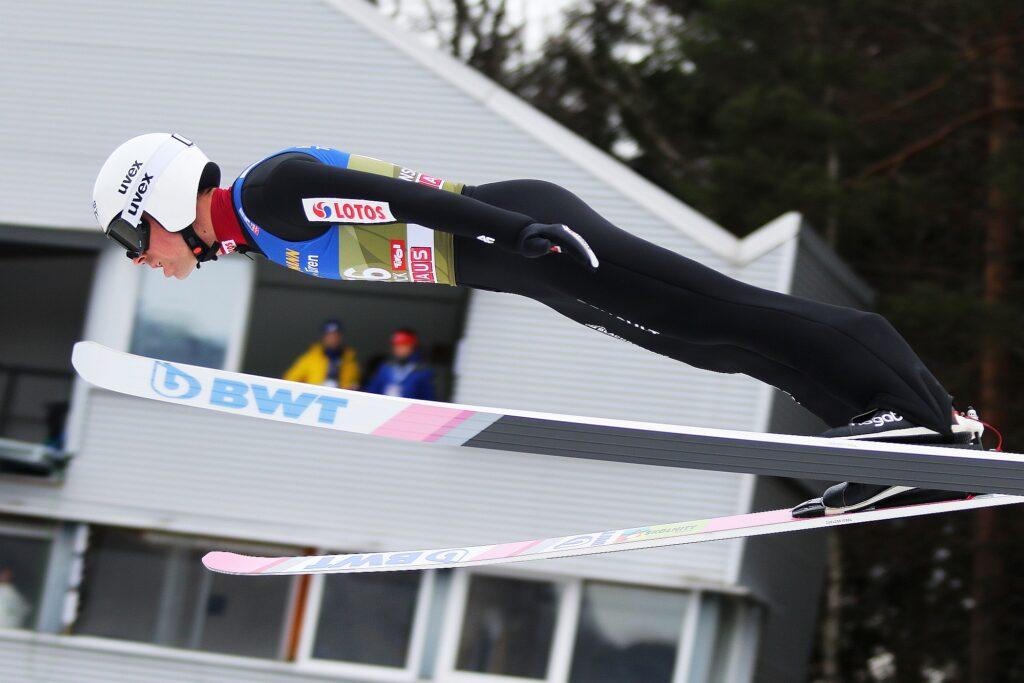 """PŚ Lahti: Geiger liderem konkursu, tylko jeden Polak w czołowej """"10"""" [WYNIKI]"""