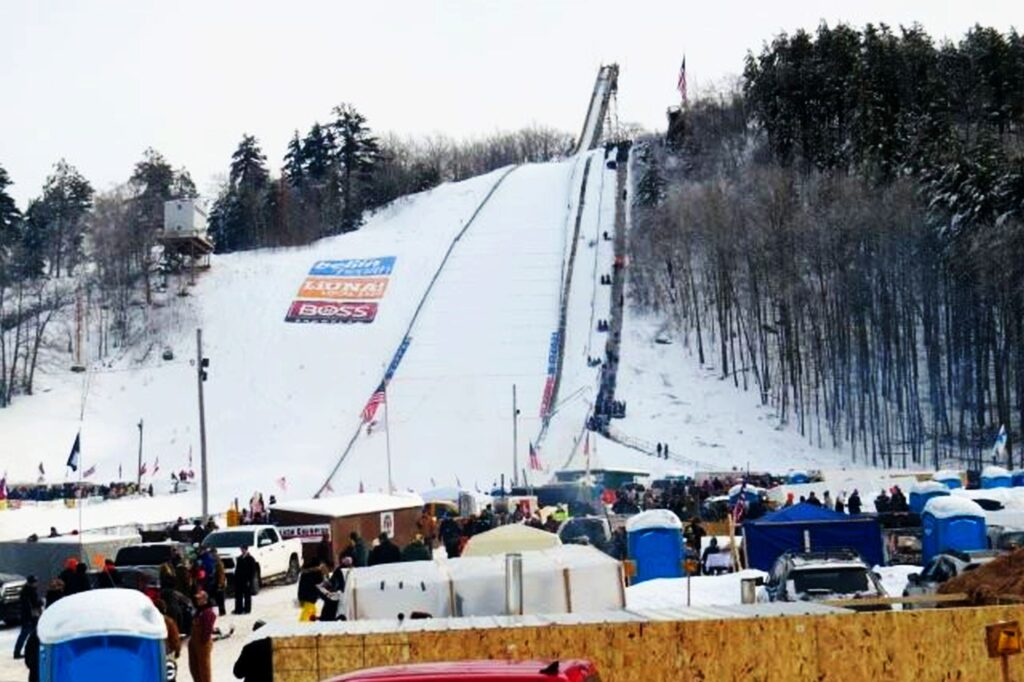 Iron Mountain - Pine Mountain Jump (fot. Kiwanis Ski Club)