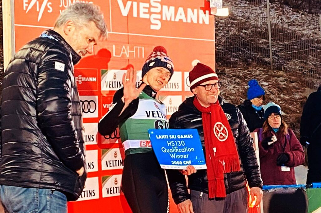 Dawid Kubacki wygrywa kwalifikacje w Lahti (fot. Anna Trybuś)