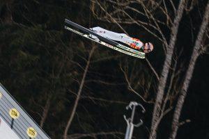 """StefanKraft Kulm2020 OKKulmNagler lot 300x200 - Kraft wygrał na specjalnie przygotowanych nartach: """"Podjąłem pełne ryzyko"""""""