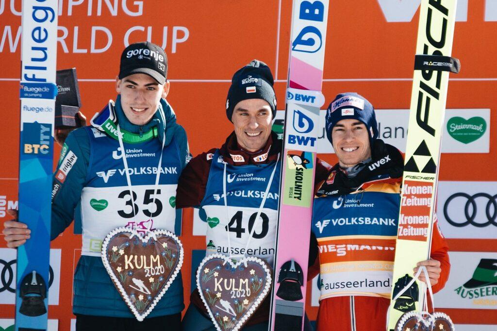 Podium konkursu (od lewej: T.Zajc, P.Żyła, S.Kraft), fot. OK Kulm / Nagler