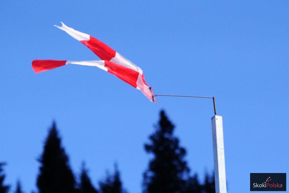 Wiatr uniemożliwił rozegranie choćby jednej pełnej serii (fot. SkokiPolska.pl)