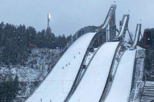 PŚ Lahti: 53 skoczków z 11 krajów na starcie. Jak spiszą się Polacy? [LIVE]