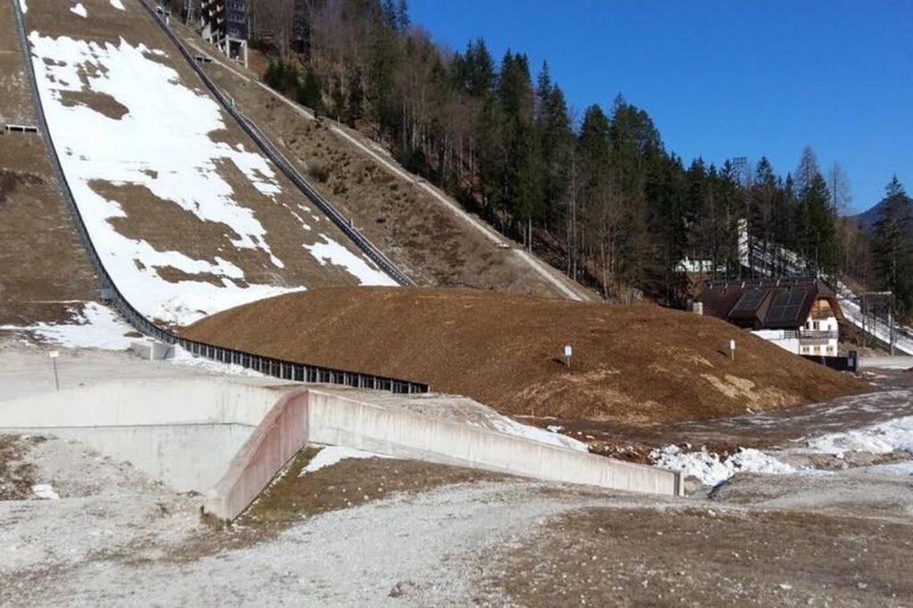 Słoweńcy zabezpieczyli śnieg na grudniowe Mistrzostwa Świata w lotach