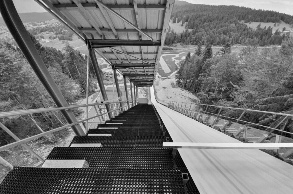 Widok ze skoczni w Premanon (fot. Artur Bała / Skisprungchanznen.com)
