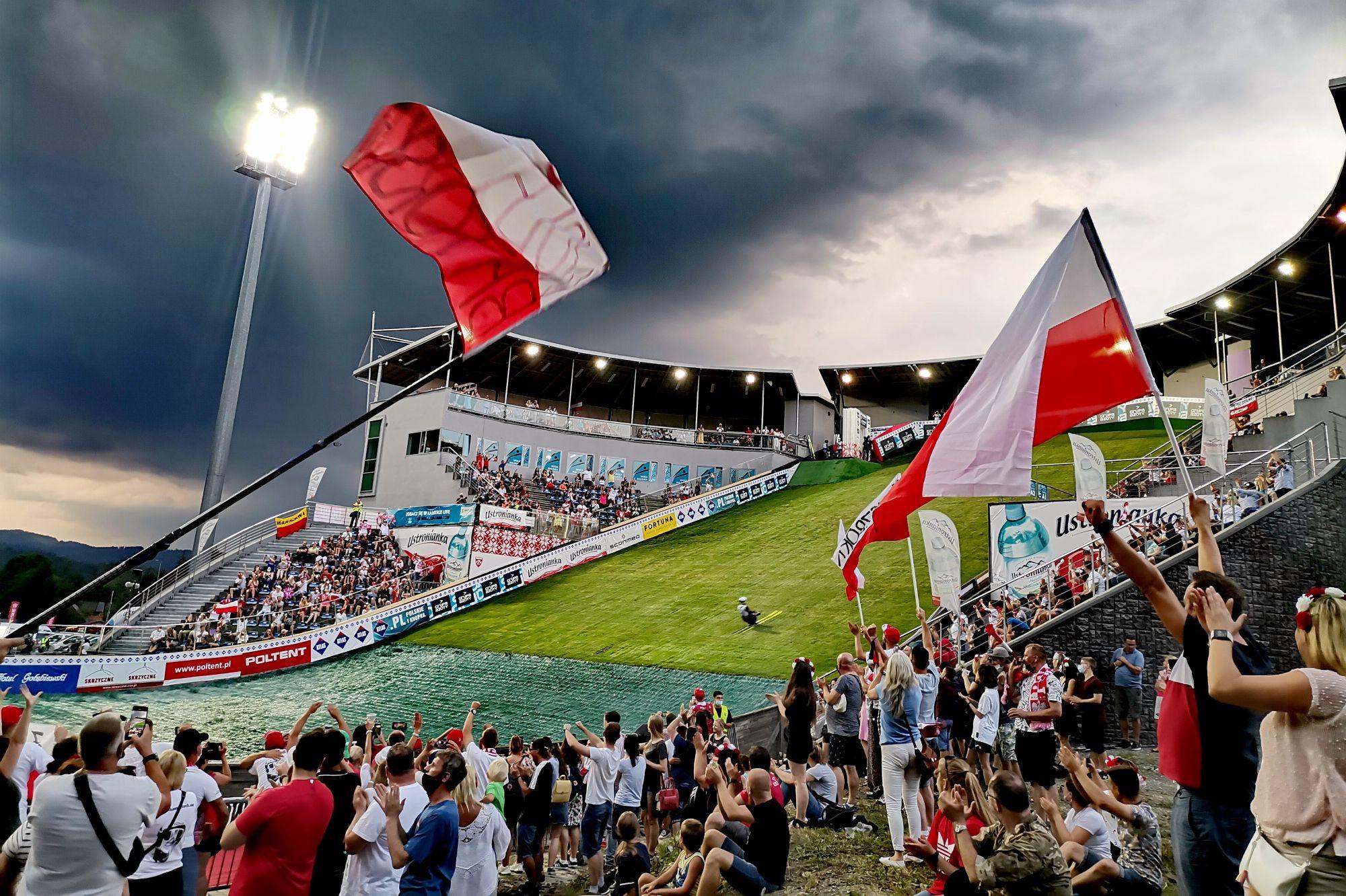 You are currently viewing Puchar Kontynentalny w Wiśle pod znakiem zapytania. Bez najmocniejszych Polaków na starcie?