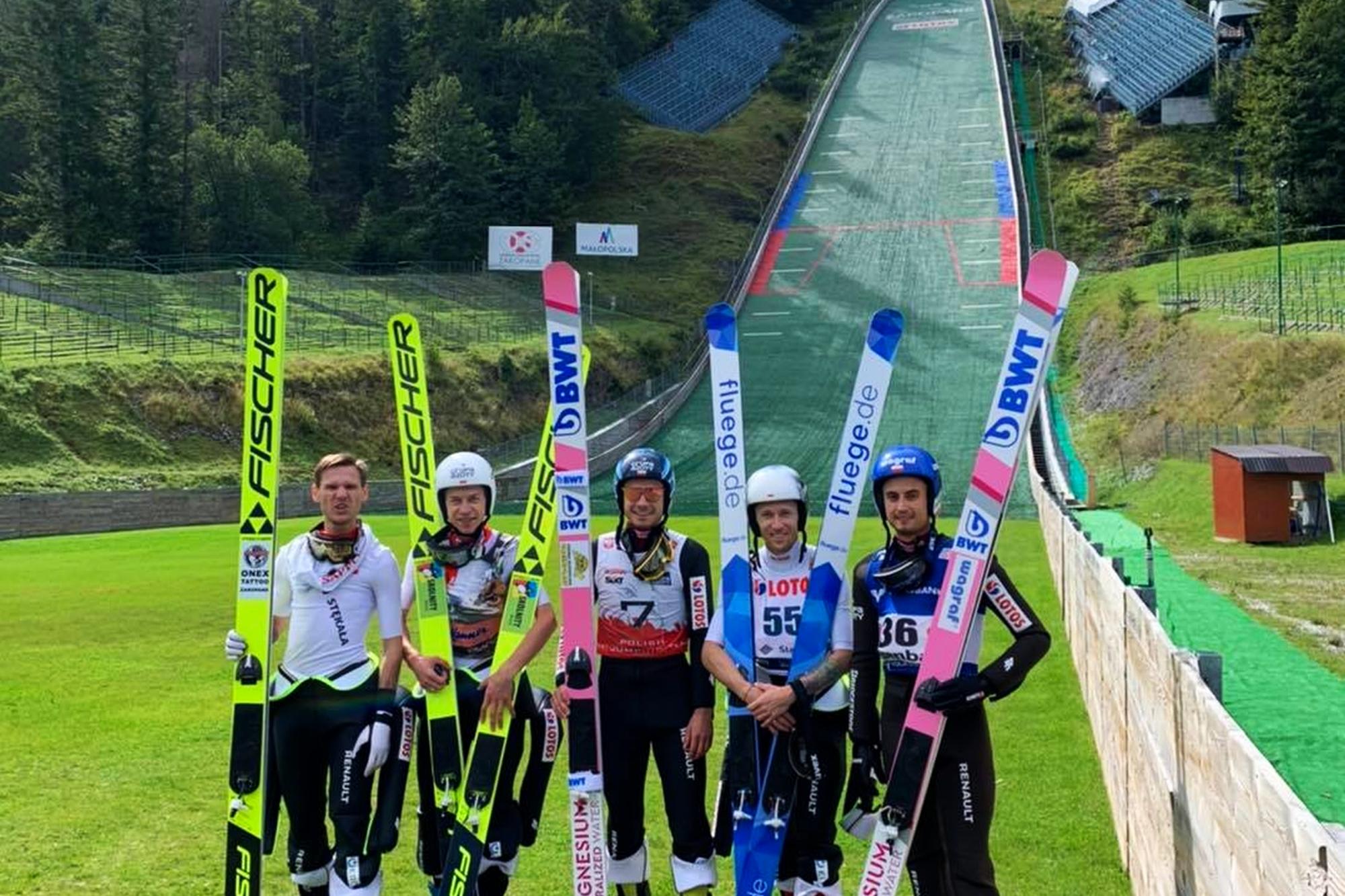 Kadra narodowa podzielona na dwie grupy. Zgrupowania w Zakopanem i Oberhofie