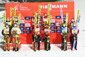 PŚ Wisła: Austriacy wygrywają inaugurację sezonu, Polacy na podium!