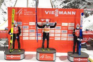 Johansson Granerud Lindvik NiznyTagil2020podium fot.AndreyKashcha 300x200 - PŚ Niżny Tagił: Norweskie podium, kolejny triumf Graneruda, życiówka Wąska