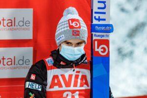Pech Mariusa Lindvika. Ból zęba prawdopodobnie kończy udział Norwega w TCS