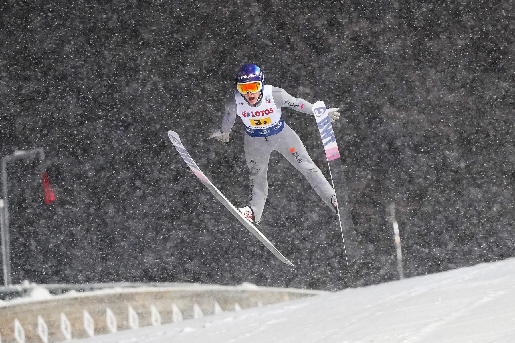 """FIS Cup Lahti: Dominik Peter wygrywa, dwóch Polaków w czołowej """"30"""""""
