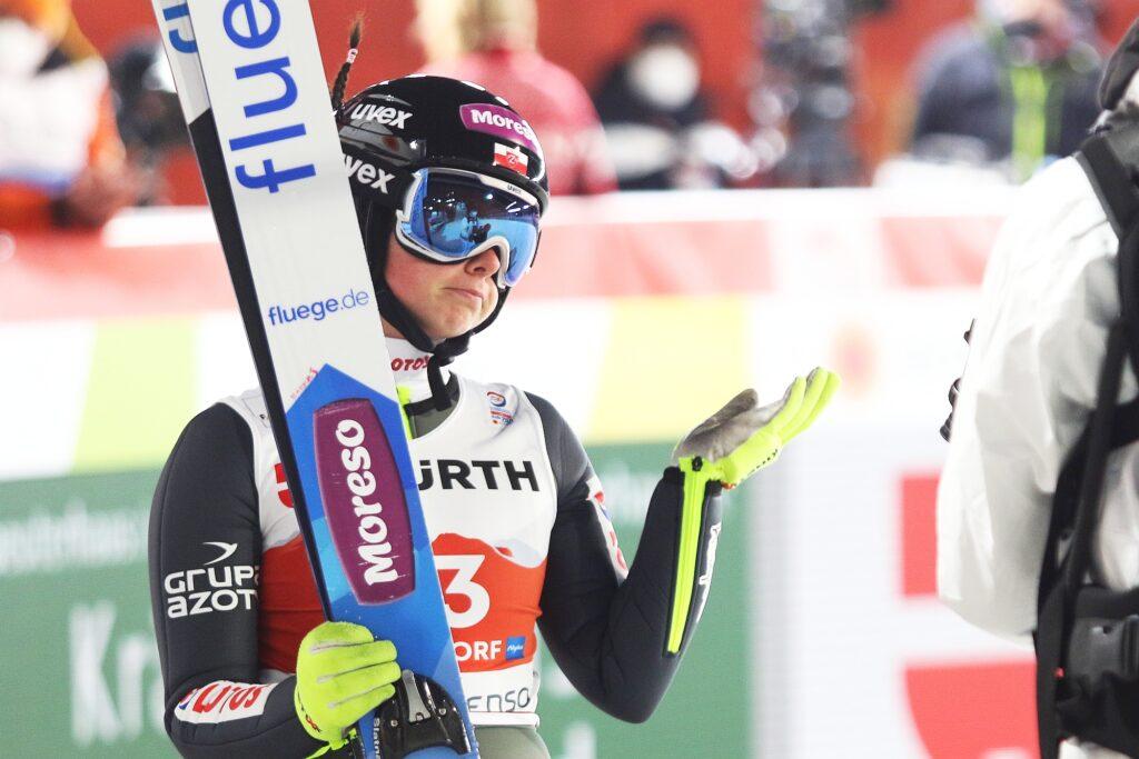 MŚ Oberstdorf: 12 ekip na starcie drużynówki kobiet, czy Polki awansują do finału? [LIVE]