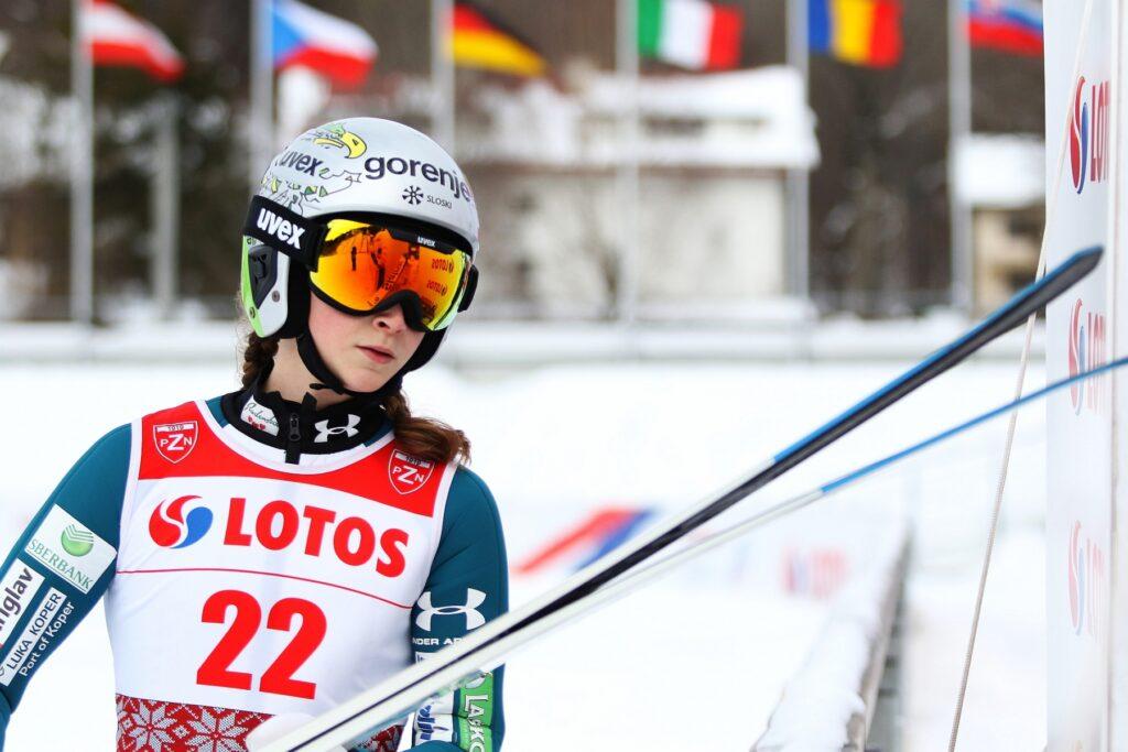 Alpen Cup: Nika Prevc i Markus Mueller zwycięzcami finału sezonu w Premanon
