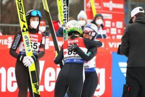 PŚ Pań Hinzenbach: 58. triumf Takanashi, dyskwalifikacja Kramer, Polki bez punktów
