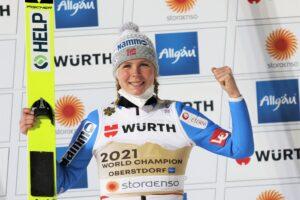 Maren Lundby Oberstdorf2021 fotJuliaPiatkowska 300x200 - MŚ Oberstdorf: Maren Lundby mistrzynią świata, Anna Twardosz w czołowej trzydziestce