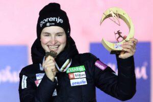 Nika Kriznar Oberstdorf2021 zloto fotJuliaPiatkowska 300x200 - MŚ Oberstdorf: Maren Lundby mistrzynią świata, Anna Twardosz w czołowej trzydziestce