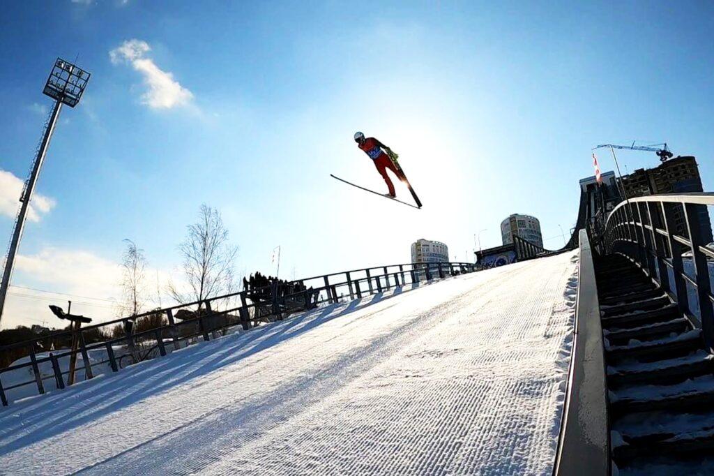 Nowa skocznia w Niżnym Nowogrodzie otwarta, imponujący rekord Kotika