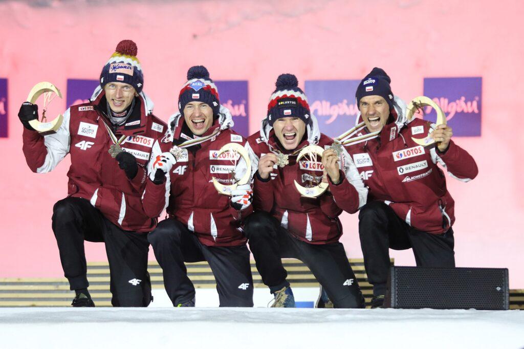 MŚ Oberstdorf: Niemcy mistrzami świata, Polacy z brązowymi medalami!
