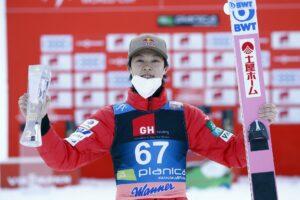 Ryoyu Kobayashi Planica2021happy fotBoBoOCPlanica2 300x200 - PŚ Planica: Geiger wygrywa piątkowy konkurs, Żyła siódmy, przeliczniki w roli głównej
