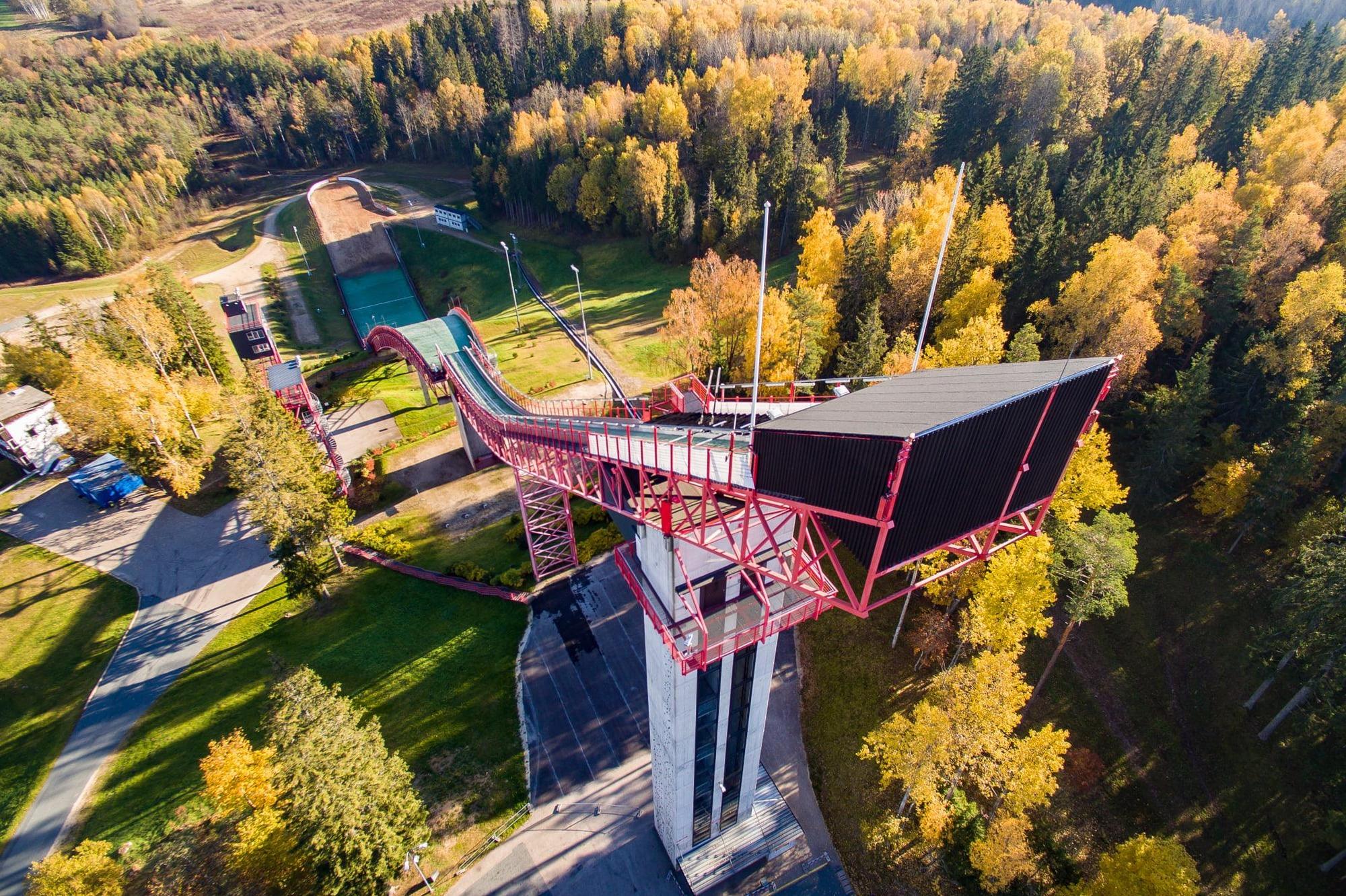You are currently viewing FIS Cup Otepää: Czas na inaugurację sezonu letniego. 45 skoczków i 21 skoczkiń na starcie