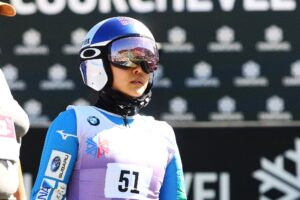 Read more about the article Sara Takanashi zrezygnowała ze startu w Courchevel z powodu kontuzji