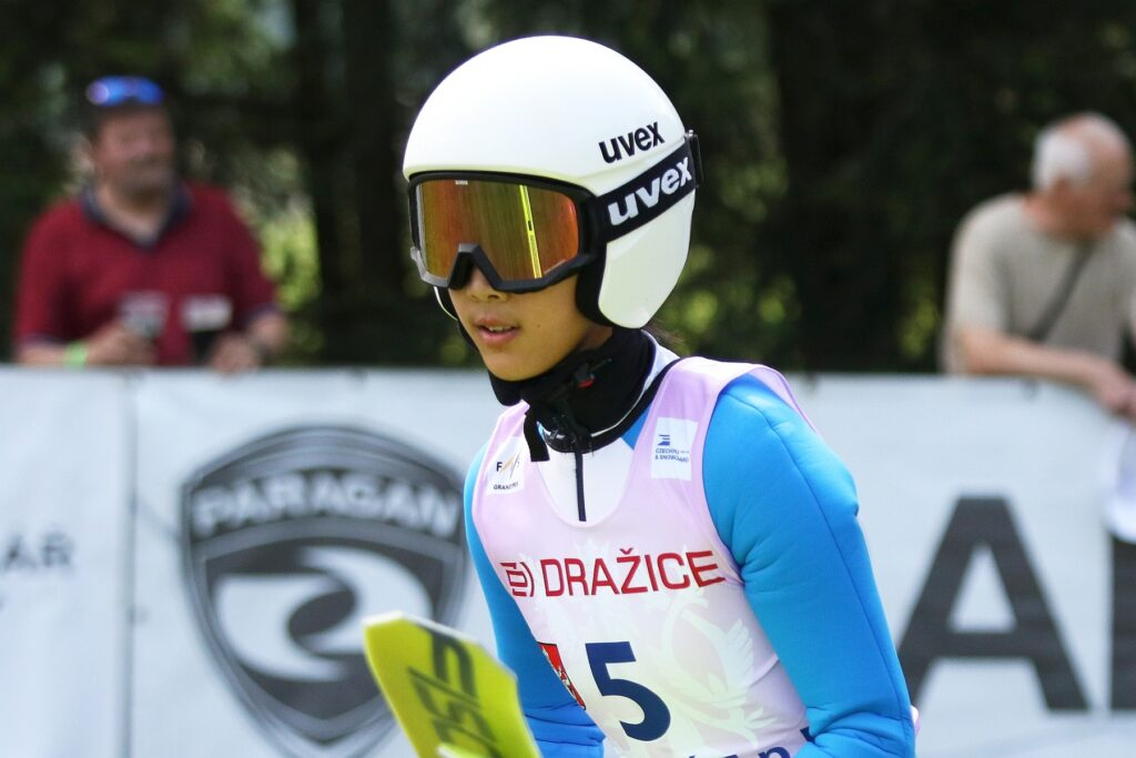 Read more about the article FIS Cup Pań Ljubno: Premierowe zwycięstwo Qingyue Peng