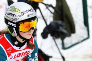 Read more about the article Alpen Cup w Kanderstegu: Zwycięstwa Ortnera, Prevc i Repinc Zupančič na koniec lata
